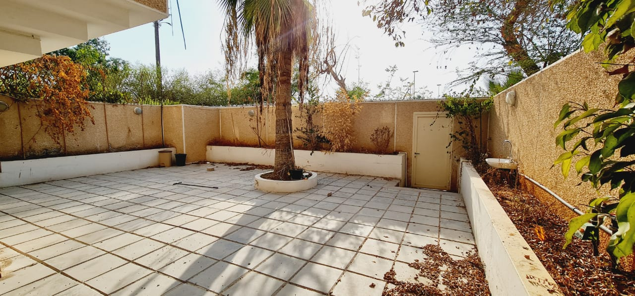 Lovely and Accessible Area with Big Garden